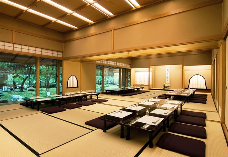 The interior of vegetarian kaiseki tokyo restaurant, Daigo